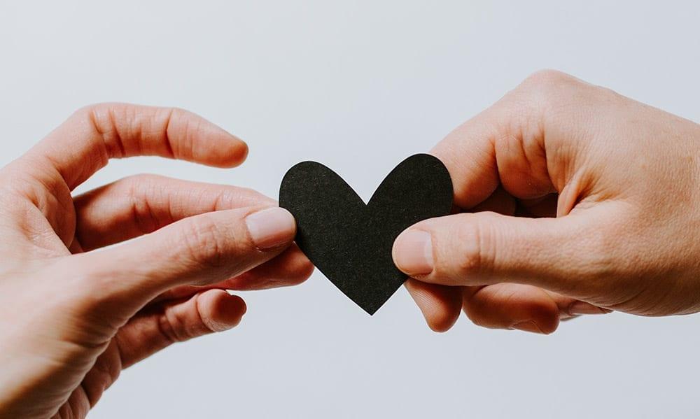 Czyznasz swój język miłości? Koniecznie przeczytaj izrób test.